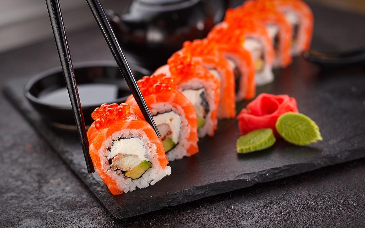 sushi roll maki